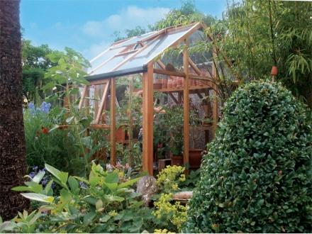 Szklarnie ogrodowe drewniane